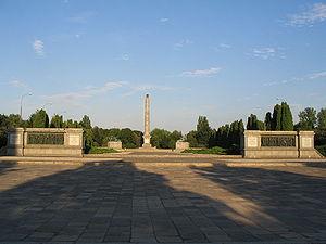 300px-waw-soviet-military-cemetery-main